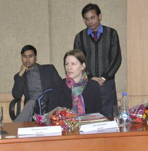 Andra Riemhofer als Rednerin beim Indian Institut for Corporate Affairs, Manesha Foto: IICA